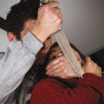 В Слободзейском районе нетрезвый мужчина с топором и ножом напал на сожительницу