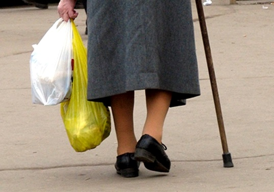 Сбитую на переходе пенсионерку госпитализировали с тяжелыми травмами
