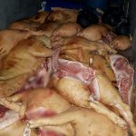 Мясо сомнительного качества попытались сбыть на Центральном рынке (ФОТО)