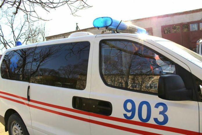 Мужчина в Кантемире упал в обморок у себя во дворе из-за жары