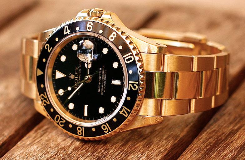 Золотые часы стоимостью 40 тысяч леев вынес грабитель из столичной квартиры (ВИДЕО)