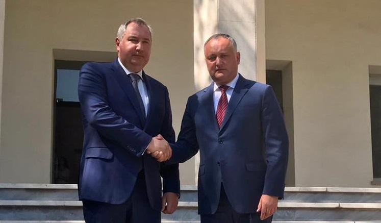 Додон после встречи с Рогозиным: Заблокирую все попытки разрушить отношения с Россией