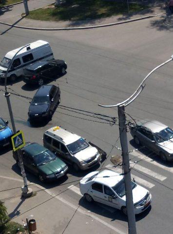 ДТП на Рышкановке перекрыло движение транспорта
