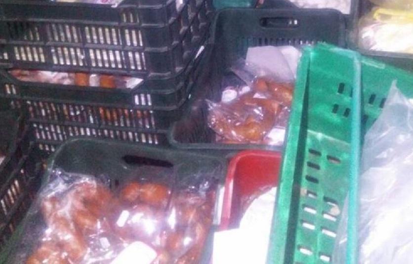 Сомнительного качества продукты питания не пустили в магазины Молдовы (ФОТО)