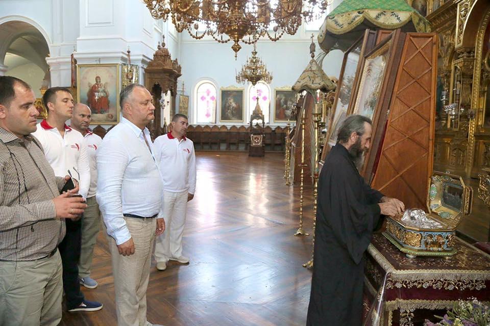 Игорь Додон на Афоне посетил самый большой собор на Востоке (ФОТО)