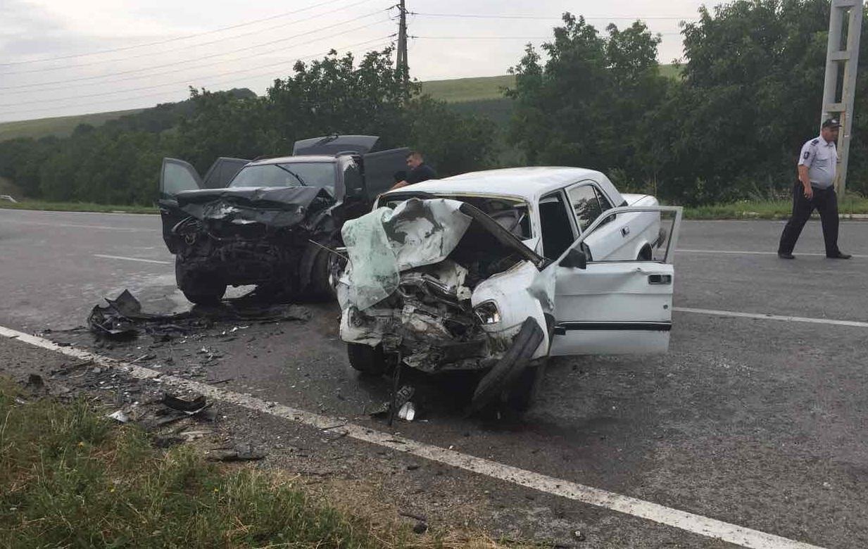 Один человек погиб, еще шестеро госпитализированы в результате аварии в Оргеевском районе (ФОТО)