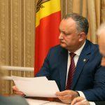 Додон отправит на пересмотр парламента закон, предусматривающий сокращение отпуска по уходу за ребенком