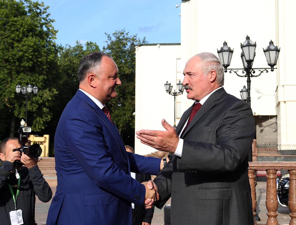 Игорь Додон поздравил Александра Лукашенко с днем рождения
