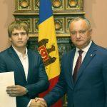 Игорь Додон наградил почетной грамотой выдающегося молдавского спортсмена