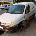 Житель Фэлешт угнал автомобиль и влетел на нем в столб