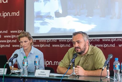Группа из 30 человек потребовала запретить богослужения на школьных линейках в Молдове