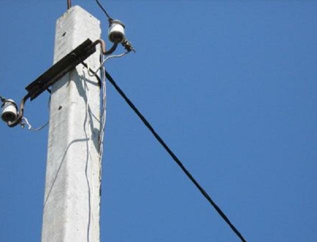 Ураганный ветер оборвал множество проводов в Молдове
