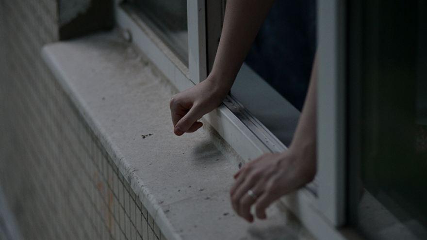 26-летняя девушка покончила с собой на Чеканах