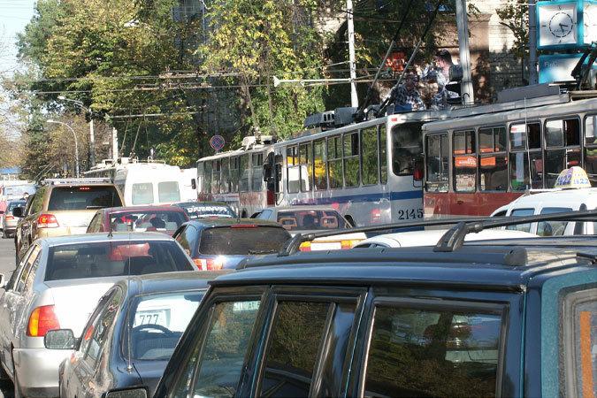 Пробки в Кишиневе: все дороги к Северному автовокзалу загружены