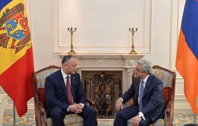 Игорь Додон поздравил Сержа Саргсяна с Днем независимости Республики Армения