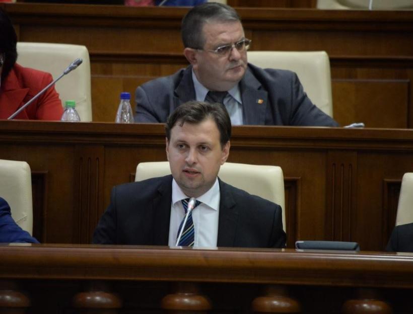 Советник президента загнал в тупик судей Конституционного суда
