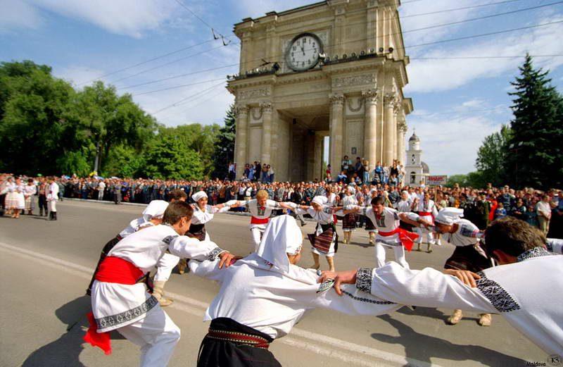 В День города пришедших на ПВНС ожидает праздничный концерт и салют
