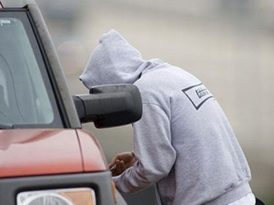 В столице арестован разъезжавший по городу на угнанном автомобиле 19-летний парень (ВИДЕО)