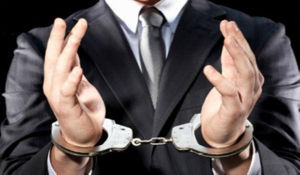"""11 тысяч евро за """"отмазку"""" от тюрьмы: задержаны три человека"""