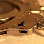 В Бельцах задержанный семейный тиран тут же пошел на другое правонарушение (ВИДЕО)
