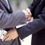 """Система взяток в Молдове: рядовой гражданин предлагает """"вознаграждение"""" 4 раза в год, а бизнесмен – 6 раз"""
