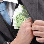 Адвокат вымогал у своих клиентов почти 100 тысяч евро (ВИДЕО)