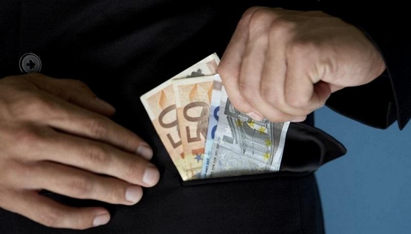Взятка в 3000 евро может обернуться адвокату 5 годами тюрьмы