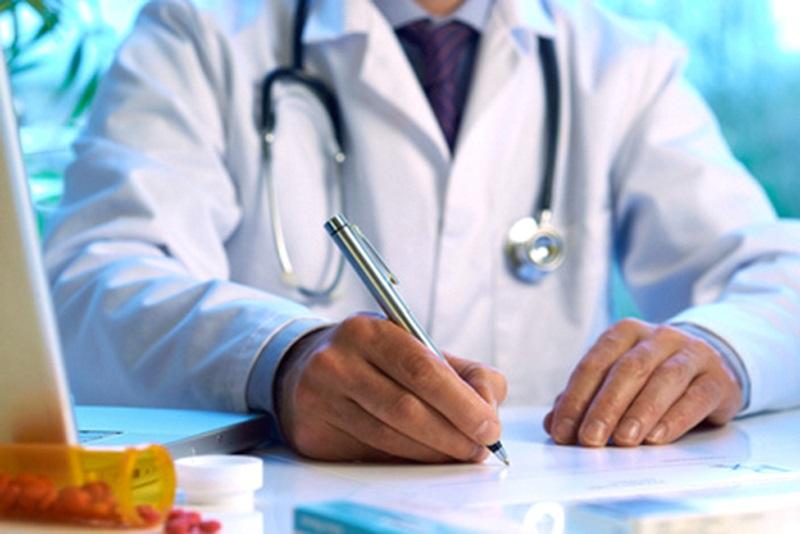 Учащихся и студентов призывают зарегистрироваться у семейного врача
