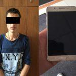 В столице грабитель напал посреди улицы на девушку и отобрал сумку (ВИДЕО)
