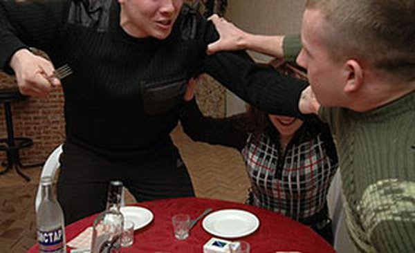 Две пьяные драки в Тирасполе завершились тяжкими травмами для двух мужчин