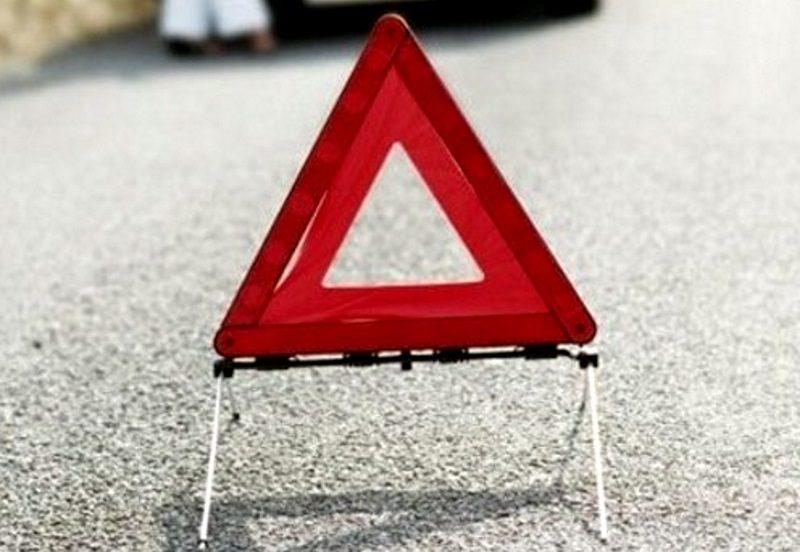 В Чимишлии выпавший из фуры груз повредил другие авто (ВИДЕО)