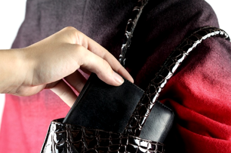 Карманник со «стажем» попался в руки правоохранительных органов (ВИДЕО)