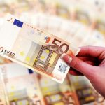 Евро существенно вырастет в понедельник