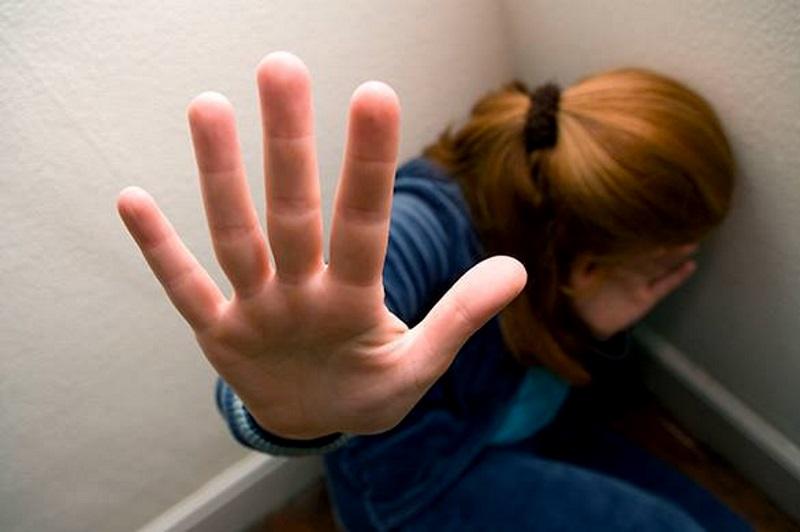 В Яловенах отец насиловал дочь на протяжении многих лет (ВИДЕО)