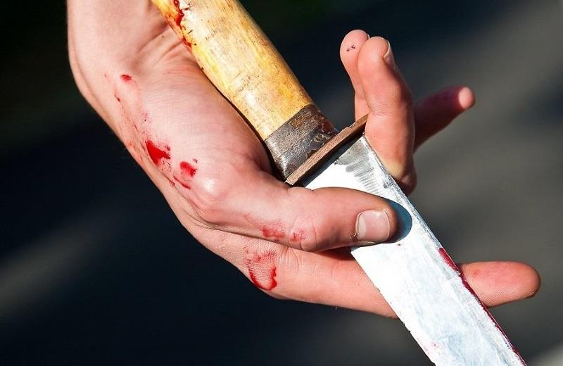 Шокирующий случай на столичном автовокзале: неизвестный перерезал горло мужчине (ВИДЕО)