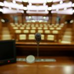 Социалисты покинули заседание парламента в знак протеста (ВИДЕО)