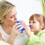 Для профилактики и лечения. Как правильно промывать нос соляным раствором