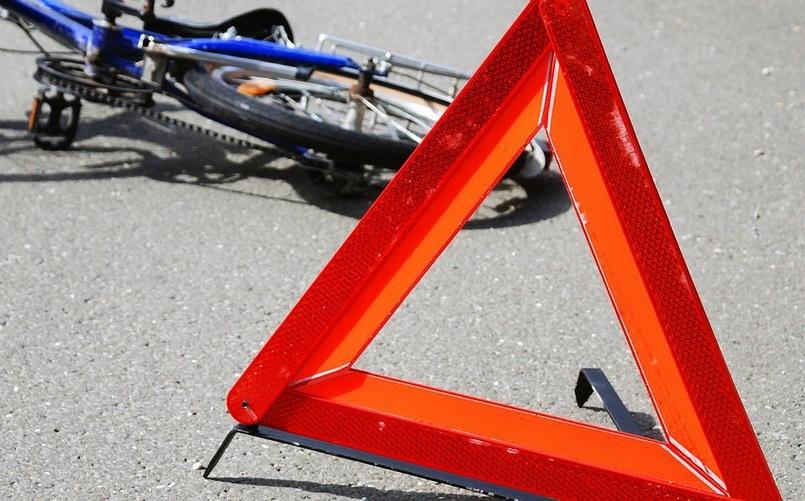 Невнимательная автовладелица сбила в Рыбнице подростка на велосипеде
