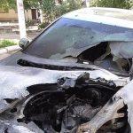 В Бендерах сгорел припаркованный во дворе многоэтажки автомобиль (ФОТО)