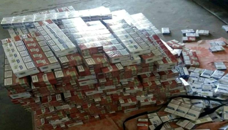 Битком набитый контрабандными сигаретами микроавтобус намеревались отправить в Евросоюз
