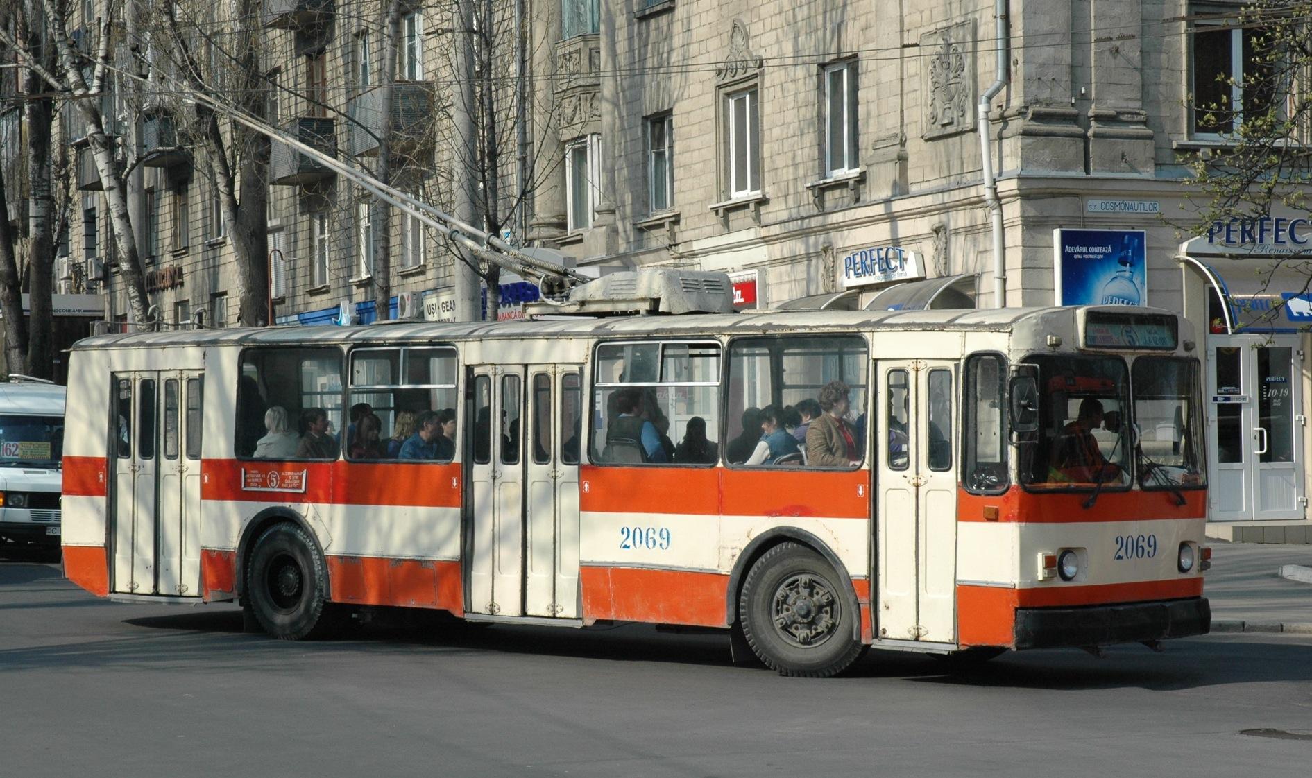 Георгий Моргоч признал, что старые троллейбусы опасны для жителей Кишинева