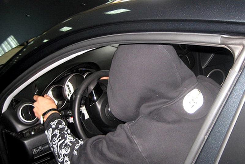 В столице разыскивают угонщиков автомобилей (ВИДЕО)