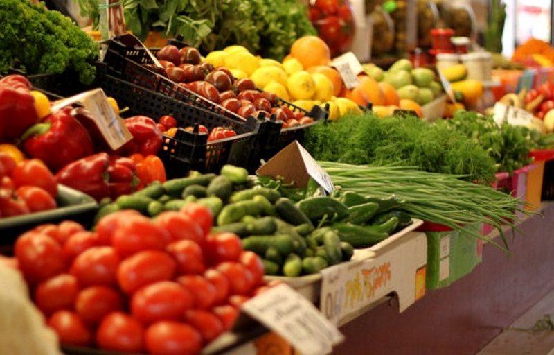 Сезонные фрукты и овощи на рынках начали дорожать