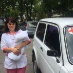 Найденная в мусорном баке новорожденная переведена в реабилитационный центр