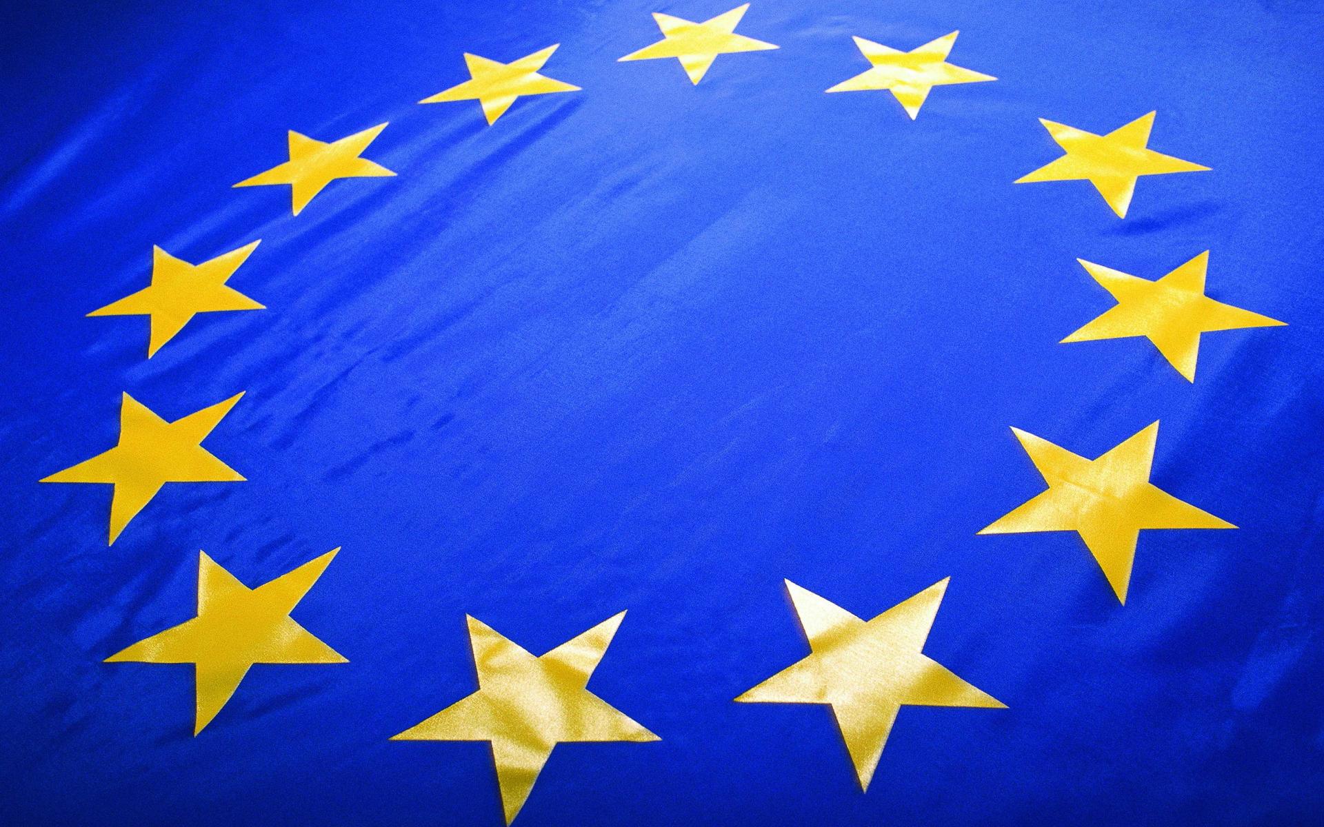 Додон: ЕС должен был бы быть заинтересован в запрете на использование своего флага вне Союза