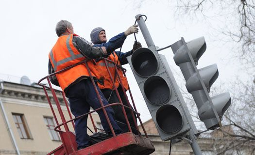 На двух перекрёстках столицы временно отключили светофоры