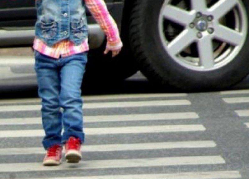 В соцсети ищут водителя, сбившего ребенка на переходе в Кишиневе