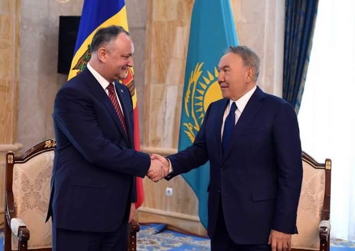 Додон поздравил Назарбаева с 25-летием установления дипломатических отношений между Молдовой и Казахстаном