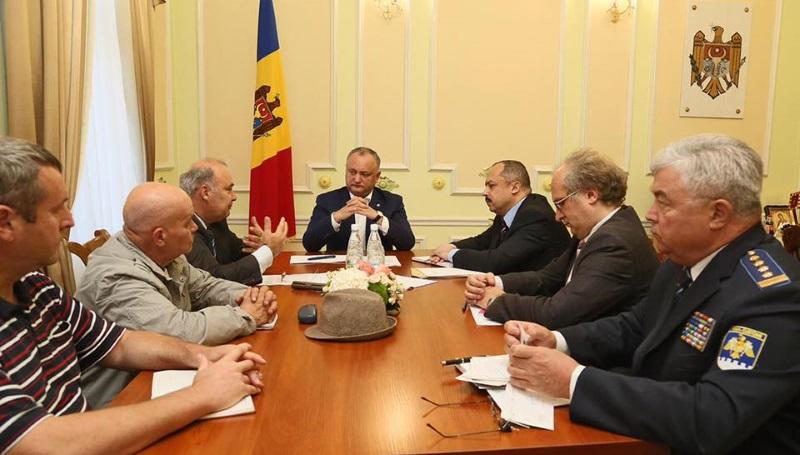 Игорь Додон обсудил с историками празднование столетней годовщины провозглашения Молдавской Демократической Республики (ФОТО)