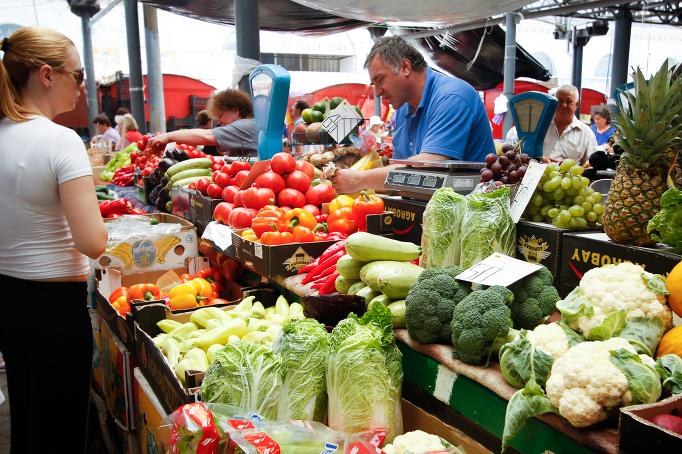 Цены на рынках: овощи дешевеют, фрукты дорожают